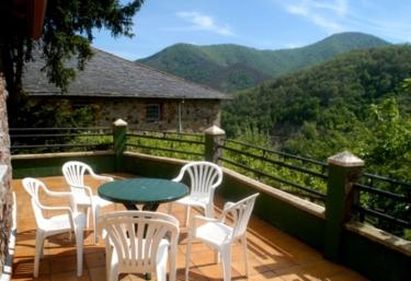 Casa Menéndez - Oballo, Asturias