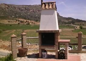 Barbacoa en el patio y vistas del paisaje