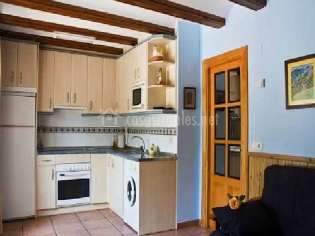 Apartamento rivera del ara en javierre de ara huesca for Muebles de cocina huesca