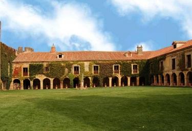 Casa Fuerte San Gregorio - Cubo De La Sierra, Soria