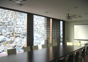La posada cuenta con una sala de reuniones