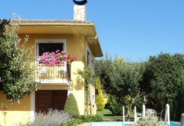 La Casa Amarilla - Pardave, León