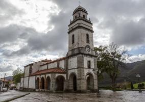 iglesia de San Martín en Soto de Luiña