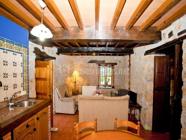 La torea en sevares asturias for Sala de estar y cocina
