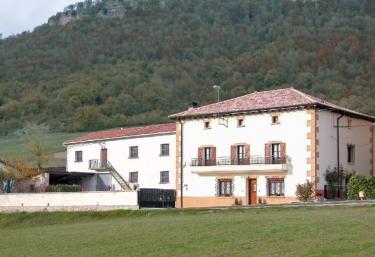Casa Lazkano - San Martin De Amescoa, Navarra