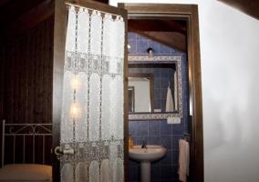 El baño de la buhardilla