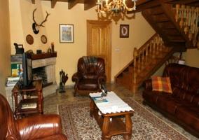 Menaje del hogar presente en el salón de la vivienda