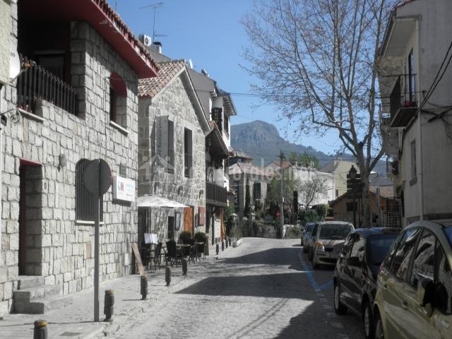 Casa san antonio el patio de valentina en pueblo navacerrada madrid - Casas rurales navacerrada ...