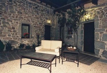 Casa San Antonio - El Patio de Valentina - Pueblo Navacerrada, Madrid