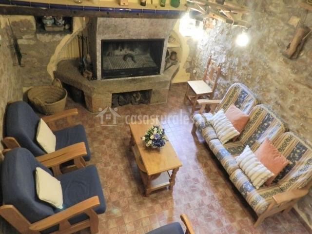 Casa rural la solera en los rosildos castell n - Chimeneas en castellon ...