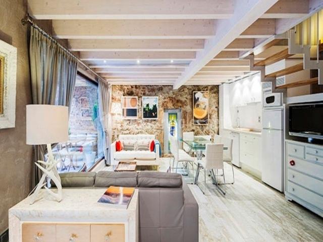 Casa clo la xiuca en la puente morcin asturias for Sala de estar y cocina