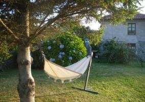 Hamaca presente en el jardín