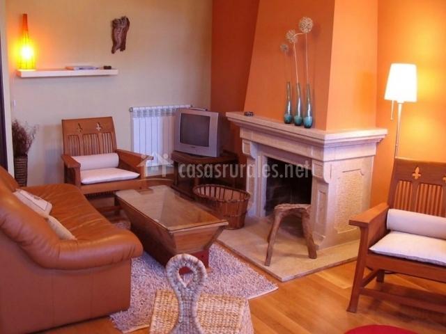 Sala De Estar En Naranja ~ Sala de estar con chimenea en naranja en su parte superior