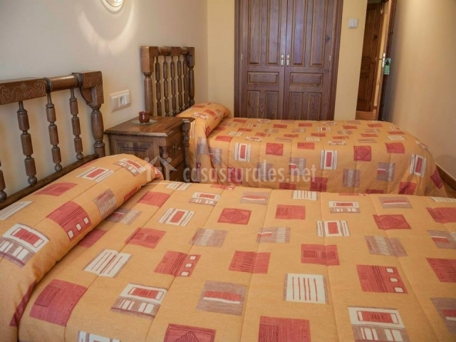 Hotel rural la plazuela en aldealengua salamanca for Descripcion de una habitacion de hotel