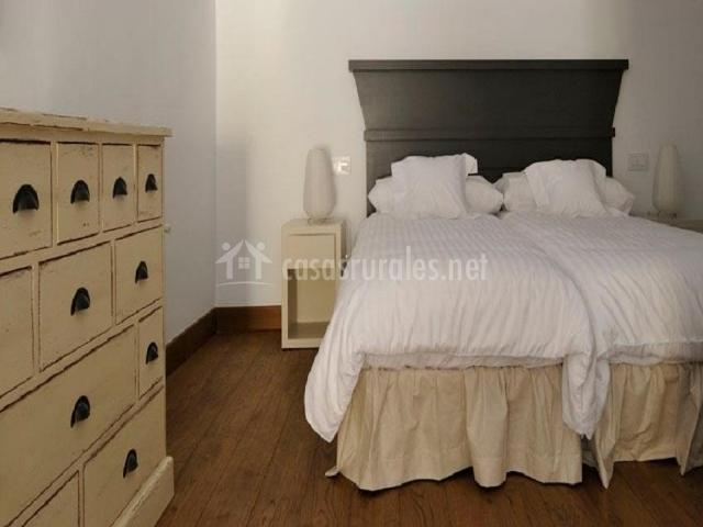 Detalle de un dormitorio doble