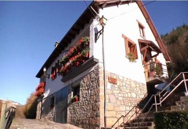 Mendibide - Ochagavia, Navarra