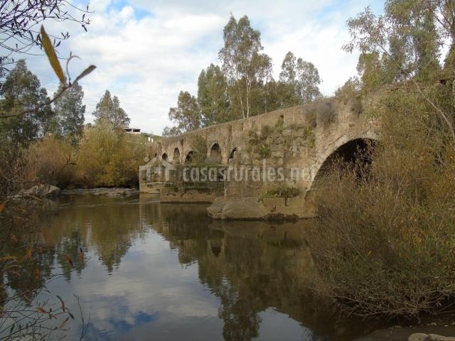 Puente Romano Matrimonio : Cortijo de boyero en burguillos del cerro badajoz