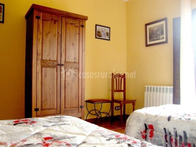Precioso armario de madera