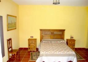 Dormitorio dobles con cama de matrimonio