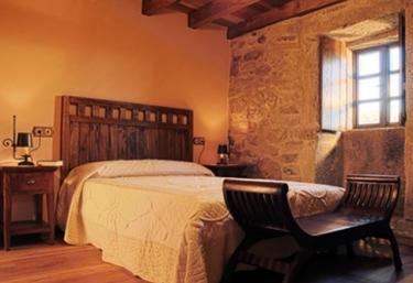 Casa de Muiñeiro y Caseta das Andoriñas - Palas De Rei (Casco Urbano), Lugo