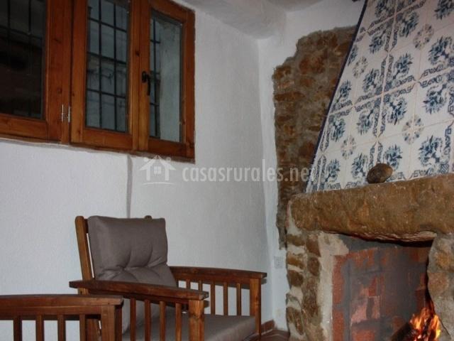 Casa rural iv n en xert chert castell n - Chimeneas en castellon ...