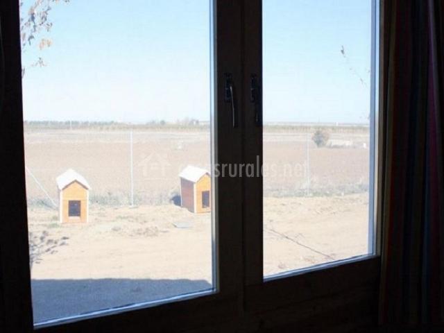 Casa azul en mora toledo for Casetas para guardar lena