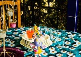 Vajilla y decoración en la mesa