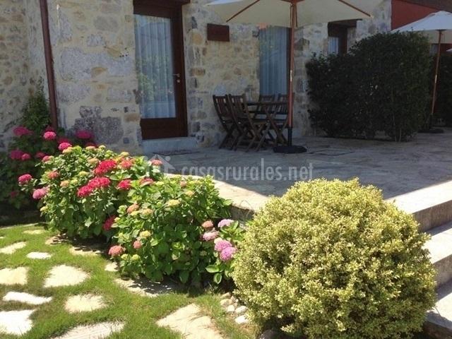 Apartamento hortensia en villahormes asturias for Ajedrez gigante jardin
