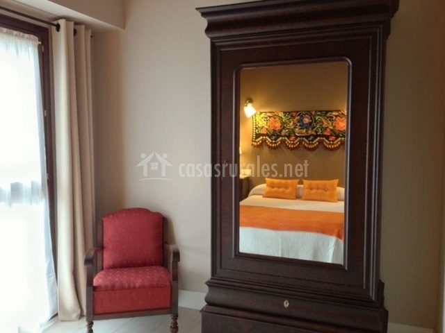 Apartamento buganvilla en villahormes asturias for Muebles antiguos asturias