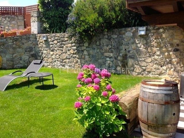 Apartamento buganvilla en villahormes asturias for Ajedrez gigante jardin