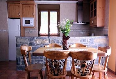 Apartamentos Miguelo I - Saravillo, Huesca