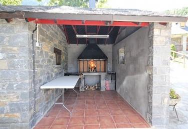 Apartamentos Miguelo II - Saravillo, Huesca