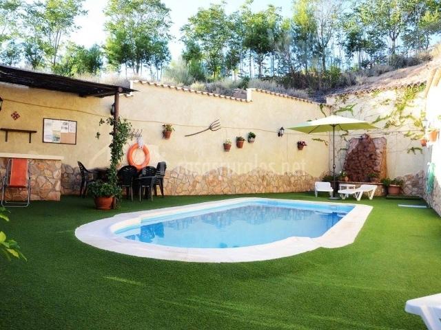 Cueva santi cazorla casas cueva en hinojares ja n - La casa de la piscina cazorla ...