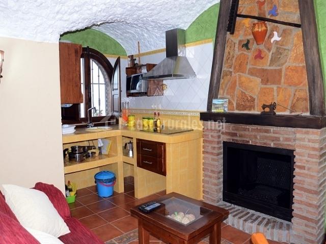 Cueva alejandro cazorla casas cueva en hinojares ja n for Cocina abierta sala de estar