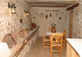 Comedor campero en piedra y maadera