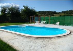 Detalle de la piscina de la casa rural.