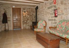 Sala recibidor con sillones