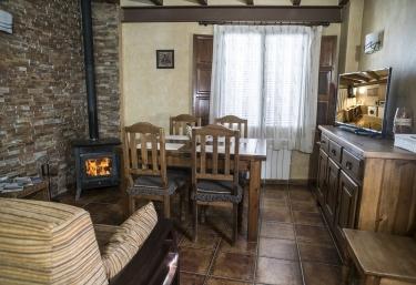 Sala de estar con la zona de comedor