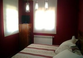 Dormitorio de dos camas individuales