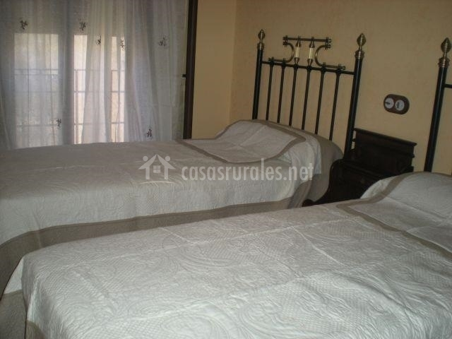 Dormitorio doble con terraza