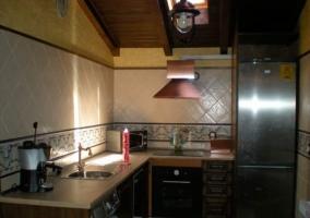 La cocina completamente equipada