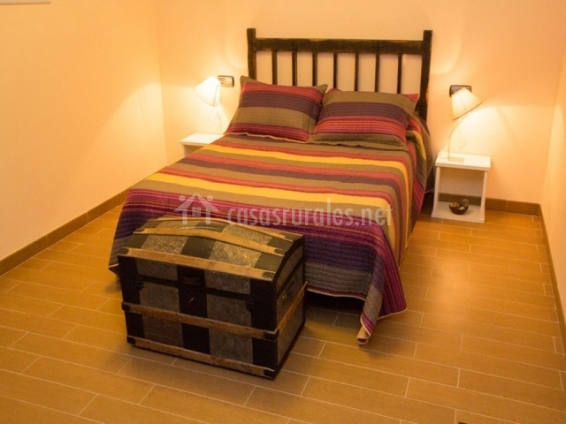 Luna mud jar en teruel capital teruel for Baul dormitorio matrimonio