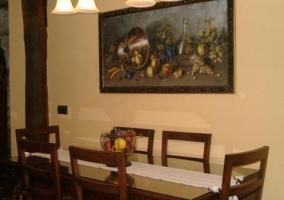 Detalle de la cocina y al fondo la sala de estar