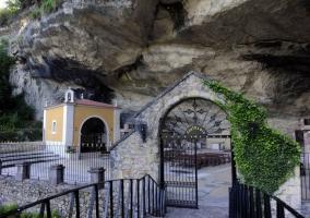 La llosa de campu redondu casas rurales en san roman pilo a asturias - Muebles infiesto ...