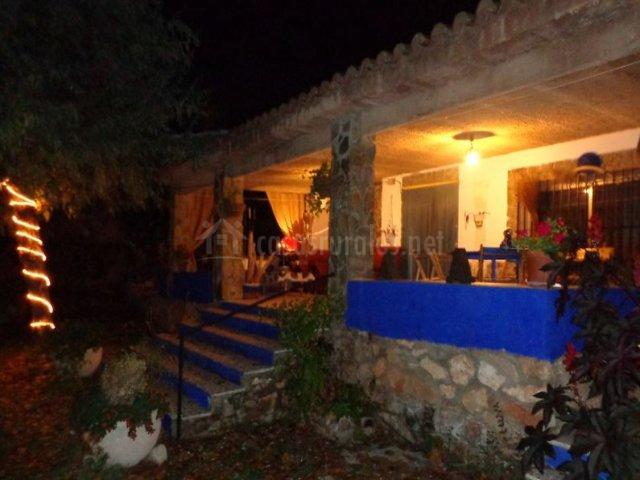 Vistas del porche de noche