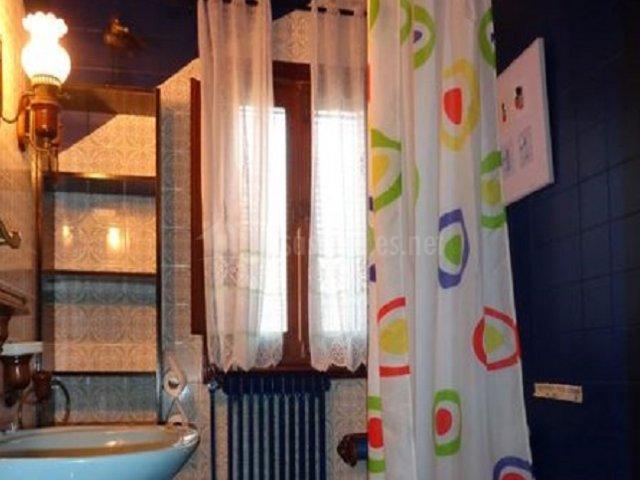 Cuarto de baño azul