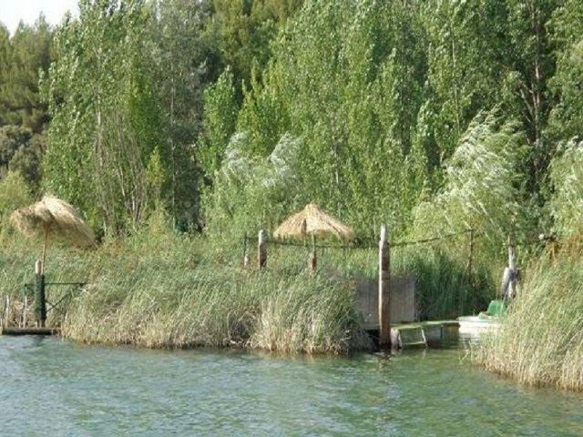 El embarcadero desde la laguna