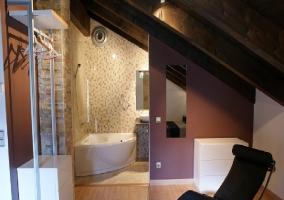 Baño y hall