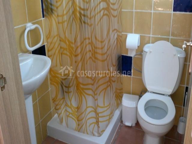 Casa rural aguas bravas en villanueva del rio y minas - Cuartos de bano sevilla ...
