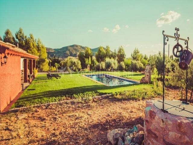 Casa del labrador en alcaraz albacete for Casa rural jardin del desierto tabernas